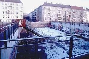 O vazio do atual Mauerpark, Berlim Mitte<br />Foto Merten Nefs, fev. 2005