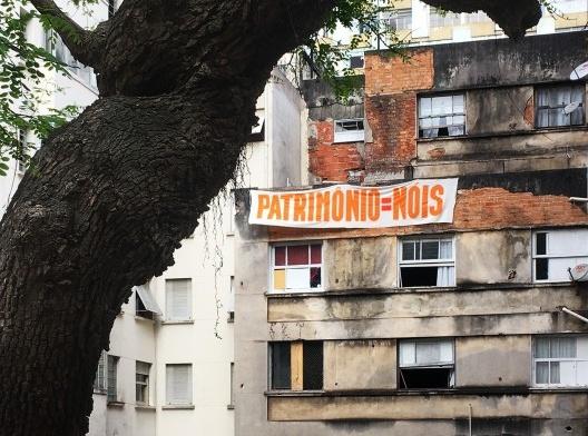 Ocupação 9 de Julho, Movimento Sem Teto do Centro – MSTC, São Paulo SP<br />Foto Abilio Guerra