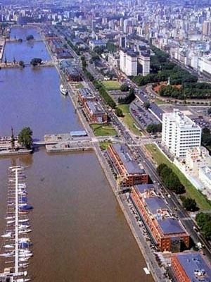 Puerto Madero, Buenos Aires, Argentina. Palestra de Jorge Mário Jáuregui