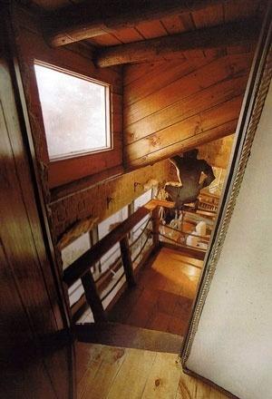 Salón de isla Negra desde el dormitorio en la torre <br />Foto Rodrigo Díaz Wichmann