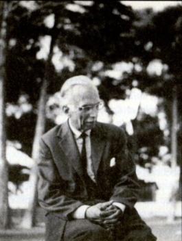 : Gabriel Pradal. Toulouse (1964)<br />Foto Enrique Tapia  [Archivo Fundación Pablo Iglesias]