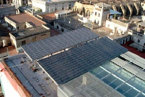 Cobertura fotovoltaica do Edificio Nou da Prefeitura de Barcelona [TFM Energía Solar]