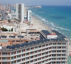 Instalação solar térmica, Hotel Entremares, La Manga del Menor, Espanha [ARGEM – Agencia de Gestión de Energía de la Región de Murcia]