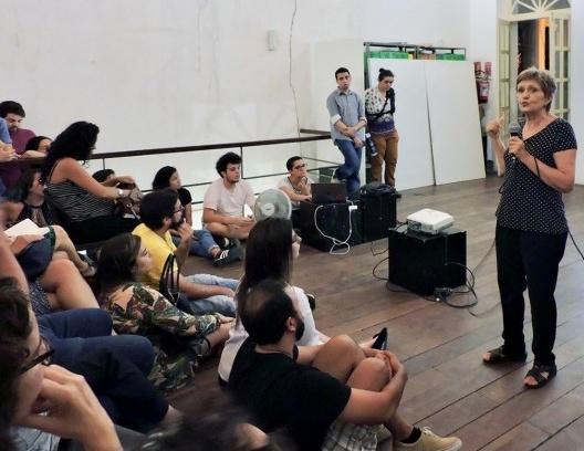 Ermínia Maricato em palestra na Universidade Federal da Paraíba, João Pessoa PB<br />Foto Pedro Rossi