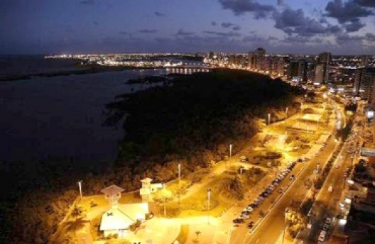 Vista aérea do Bairro Praia Treze de Julho. Aracaju, 2006<br />Foto João Manoel