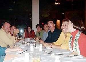 Reunião após lançamentos de livros no dia 7/10/02<br />Foto Hugo Segawa