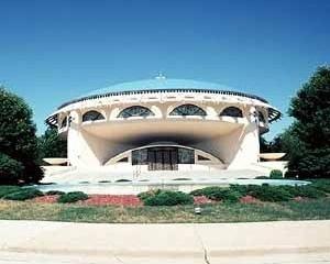 Igreja Grega Ortodoxa da Anunciação para Wauwatosa, Wisconsin, 1956. Arquiteto Frank Lloyd Wright<br />Foto de Mary Ann Sullivan, Professor of English and Art History, Bluffton College
