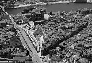 Fig. 17 - Centro Histórico do Porto, Avenida da Ponte, vista aérea