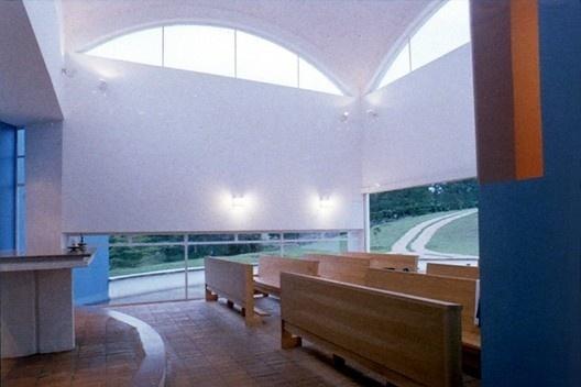 Capela de São Miguel, Itu SP, 1994. Arquiteto Affonso Risi<br />Foto divulgação