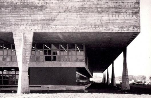 FAU-USP, V. Artigas e C. Cascaldi, 1962-68, São Paulo [FERRAZ, 105]