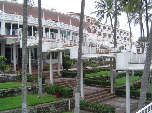 Jesús Martí, Enrique Segarra (Vías y Obras, S.A.): Hotel Mocambo, Veracruz, 1949.<br />Foto Juan Ignacio del Cueto