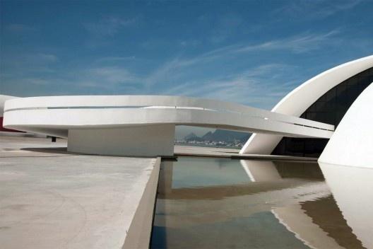 Fundação Oscar Niemeyer, Arquiteto Oscar Niemeyer