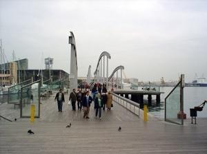 Port Vell em Barcelona, acesso à passarela<br />Foto Vera Hazan