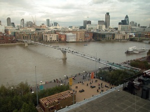 Millenium Bridge, visão geral<br />Foto Gerard Gaudin