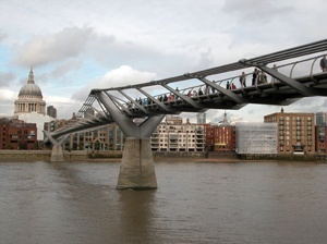 Millenium Bridge, detalhe da ponte<br />Foto Beni Barzellai