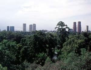 Parque Chapultepec, Cidade do México. Contraponto à massa edificada de uma das maiores metrópoles do mundo
