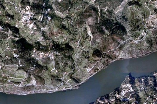 Tormes, Portugal [Google Earth, 2009]
