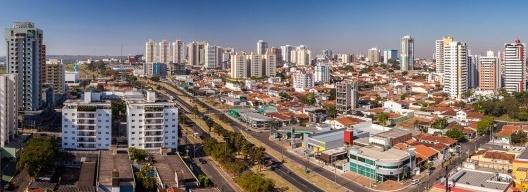 Vista aérea da cidade de Bauru<br />Foto Celso Mellani  [Wikimedia Commons]
