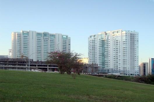 Setor Hoteleiro: moradias disfarçadas em apart hotéis – uma agração à escala gregária <br />Foto Eliel Américo