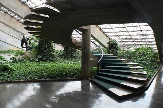 Teatro Nacional, Brasília, arquiteto Oscar Niemeyer, paisagista Roberto Burle Marx <br />Foto Felipe SS Rodrigues