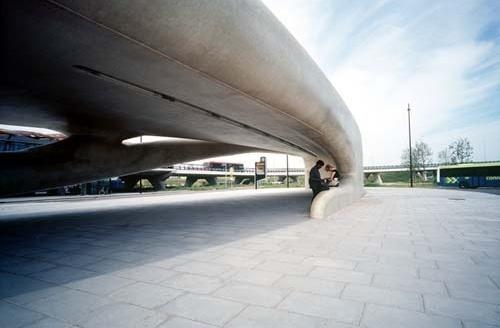 Fluid Vehicle. NIO Architecten
