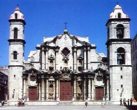 Catedral de La Habana, se supone proyectada por un Jesuíta, pasaría a Catedral al ser expulsada esta Orden Religiosa del Reino Español en 1767