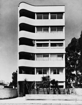 Edificio Mina Klabin Warchavchik, São Paulo, 1939<br />Foto Zanella e Moscardi  [Acervo Biblioteca FAU USP]
