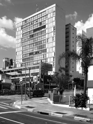 Edifício Abramo Kropp, Arq. Maurício Kogan, Avenida Rebouças<br />Foto LEG