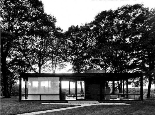 Casa de Vidro. 1949, Arquiteto Philip Johnson [BOTTON, Alain de. The architecture of happiness.Phanteon books, New York, USA. p. 19]