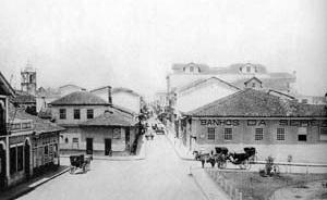 Hotel D'Oeste, no Largo São Bento, esquina com Rua Boa Vista, 1900 [São Paulo de Piratininga: de pouso de tropas a metrópole. O Estado de S. Paulo / Terceiro]