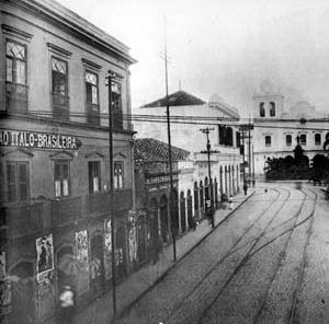 Pensão Ítalo-Brasileira, rua São Bento, 1910 [A cidade da Light, 1899-1930, São Paulo, Eletropaulo, vol. 1, 1990, p. 129]