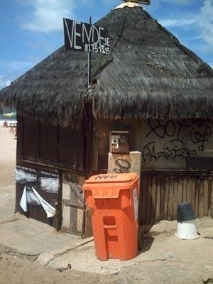 Barraca à venda na praia do Jardim de Allah<br />Foto do autor