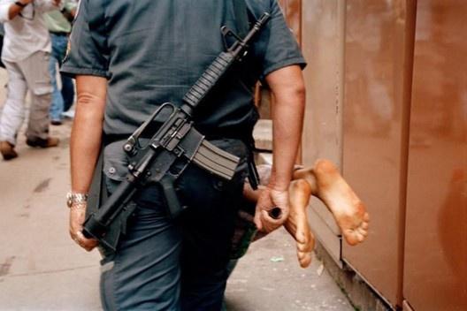 Operação policial, Rocinha, Rio de Janeiro RJ Brasil, 2004<br />Foto divulgação  [Anistia Internacional, 2015]