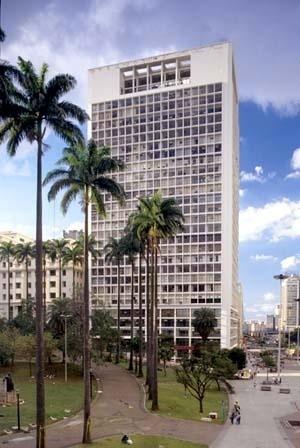 Edifício CBI Esplanada, arquiteto Lucjan Korngold <br />Foto Hugo Segawa