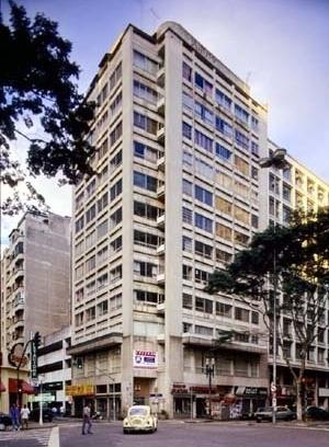 Edifício Tinguá, arquiteto Adolf Franz Heep<br />Foto Hugo Segawa