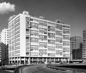 Edifício Anchieta, arquitetos MM Roberto, 1941<br />Foto Hugo Segawa