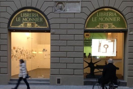 """Architettura del Disegno"" na Galleria Srisa, Florença, 2013. <br />Foto Zeuler Lima"