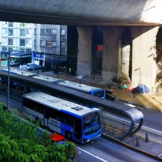 Corredor de ônibus em São Paulo<br />Foto Abilio Guerra