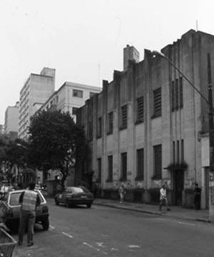 Prédio da Faculdade de Filosofia, Ciências e Letras da USP na Rua Maria Antônia, antes da reforma