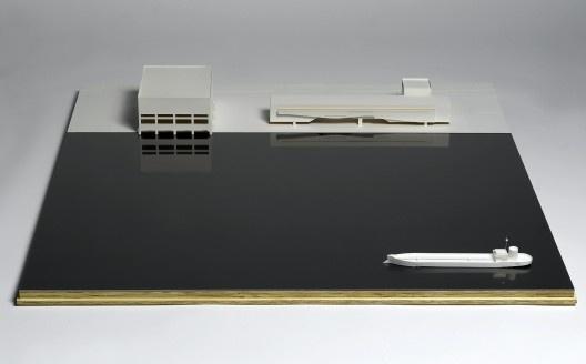 Cais das artes, Enseada do Suá, Vitória, Espírito Santo, Brasil, 2007, em realização. Maquete. Papel e madeira, 20x120x120 cm