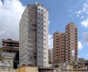 Massa de prédios no centro da cidade<br />Foto Ítalo Stephan