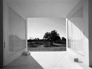 Casa em Melides, Grândola. Arquitetos Manuel Aires Mateus e Francisco Aires Mateus, 2000-2003