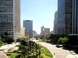 Vale do Anhangabaú. Vista do Edifício CBI Esplanada, do Arquiteto Lucjan Korngold