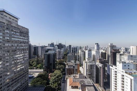 Edifício Santos Augusta, vista dos arredores, São Paulo, 2018, arquiteto Isay Weinfeld<br />Foto Guilherme Pucci