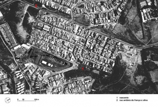 CEU Rosas da China, São Paulo, Implantação sobre aerofotogrametria. Arquitetos Alexandre Delijaicov, André Takiya e Wanderley Ariza