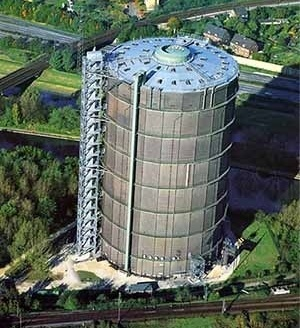 O emblemático prédio do Gasômetro, em Oberhausen [IBA Emscher Park]