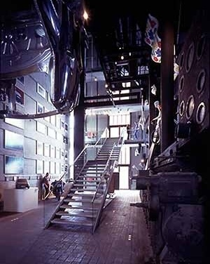 German Design Centre, reciclagem da Mina Zollverein, Renânia do Norte/Westphalia. Arquiteto Norman Foster<br />Foto Nigel Young / Norman Foster and Partners