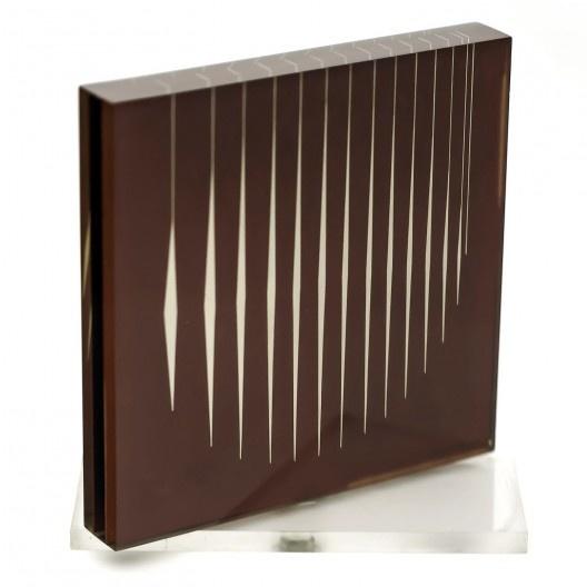 Objeto rotativo, acrílico e papel. Lothar Charoux, 1974<br />Foto divulgação  [Coleção Família Charoux]