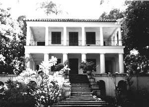 Villa de Grandjean de Montigny na Gávea (c.1830), com as varandas periféricas [autor]