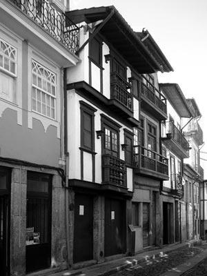 Fig. 6 - Casa da Rua Nova, Guimarães, 2007<br />Foto Francisco Portugal e Gomes